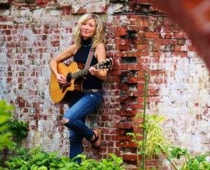 Free Outdoor Show With Juliana MacDowell and The Agreeables